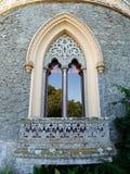 Gotyka łukowaty okno w kasztelu Zdjęcie Royalty Free