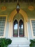 Gotyka łukowaty okno w kasztelu Obraz Stock