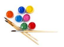 Gouache di pittura e della spazzola Immagini Stock Libere da Diritti