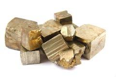 Goud (geïsoleerd pyrietmineraal) Stock Foto