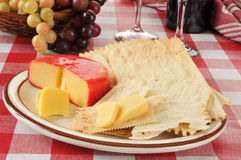 Gouda cheese and crackers Royalty Free Stock Photography