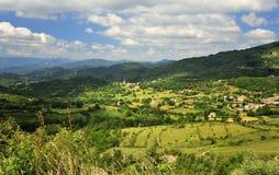 Goudargues, Wald Valbonne, Südfrankreich lizenzfreies stockbild