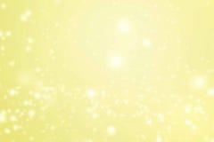 Gouden Abstracte schitterende sterren op bokehachtergrond Feestelijke ye Royalty-vrije Stock Foto's