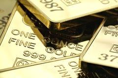Gouden baren stock foto's