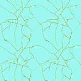 Gouden barsten op azuurblauw blauw naadloos patroon - kintsugiconcept, gouden kreuken, gebroken aardewerktextuur royalty-vrije illustratie