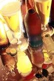 Gouden bier op de teller Royalty-vrije Stock Afbeelding
