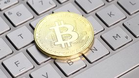 Gouden Bitcoin-muntstuk stock footage