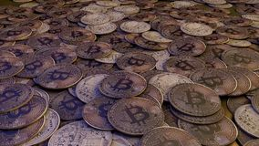 Gouden Bitcoins nieuw virtueel geld het 3d teruggeven Royalty-vrije Stock Afbeeldingen