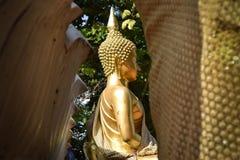 Gouden boeddhistisch stock foto's