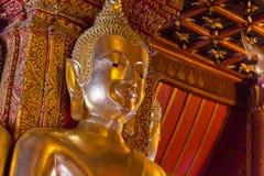Gouden Boeddhistisch standbeeldgezicht Stock Foto's