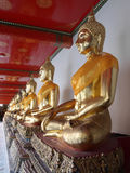 Gouden Boeddhistische Standbeelden Royalty-vrije Stock Afbeeldingen