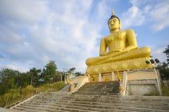 Gouden Boedha bij de tempel van Phu Salao, Pakse, Laos Stock Foto's