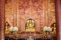 Gouden Boedha Phra Boedha Sihing wordt gevestigd in Wat Phra Sing W Royalty-vrije Stock Fotografie