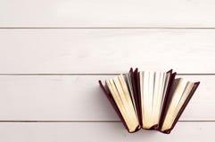 Gouden boekenachtergrond Stock Foto