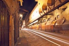 Gouden brug bij nacht Stock Afbeeldingen