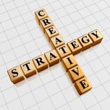 Gouden creatieve strategie zoals kruiswoordraadsel Stock Foto