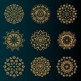 Gouden de kunstornament van luxemandala met cirkel bloemenpatroon stock illustratie