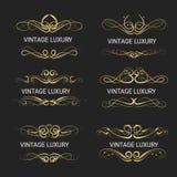 Gouden decoratief frame De uitstekende Vector van embleemmalplaatjes Royalty-vrije Stock Afbeeldingen