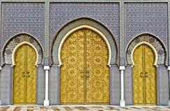 Gouden deuren van Fez Royal Palace stock fotografie
