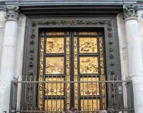Gouden Deuren van Florence Baptistery stock foto
