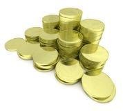 Gouden die muntstukkenstapel op witte close-up diagonale mening wordt geïsoleerd Royalty-vrije Stock Fotografie