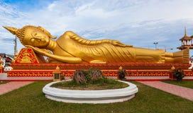 Gouden doende leunen Boedha in Wat Si Saket in Vientiane in Laos Stock Foto's