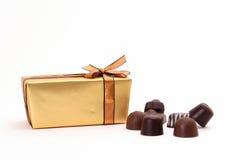 Gouden doos Royalty-vrije Stock Afbeeldingen