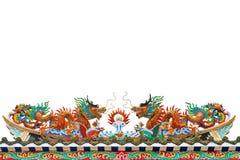 Gouden draakBeeldhouwwerk op het dak Royalty-vrije Stock Afbeeldingen