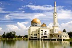 Gouden Drijvende Moskee Stock Afbeeldingen