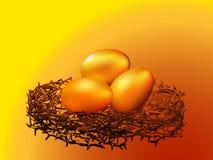 Gouden eieren in nest Royalty-vrije Stock Afbeeldingen