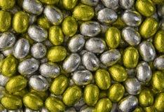 Gouden en Zilveren eieren stock foto