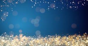Gouden en zilveren Kerstmislichten op blauwe achtergrond voor vrolijk Kerstmis of seizoengroetenbericht, heldere decoratie Royalty-vrije Stock Afbeeldingen