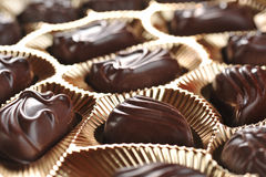 Gouden foliedoos chocolade Stock Afbeelding
