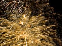 Gouden Fonkeling Spectaculair Vuurwerk Royalty-vrije Stock Afbeeldingen