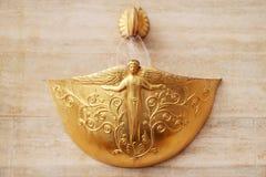 Gouden fontein Royalty-vrije Stock Afbeeldingen