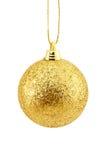 Gouden geïsoleerdee Kerstmisbal Royalty-vrije Stock Afbeeldingen