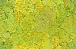 Gouden geelgroene natuurlijke naadloze marmeren het patroonachtergrond van de steentextuur De ruwe oppervlakte van de natuursteen stock foto