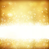 Gouden gloeiende Kerstmisachtergrond met sterren, sneeuwvlokken en lichten Royalty-vrije Stock Fotografie