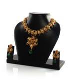 Gouden Halsband met Oorringen stock afbeeldingen