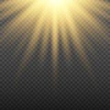 Gouden het gloeien lichte uitbarstingsexplosie op transparante achtergrond Heldere gloedeffect decoratie met straalfonkelingen Stock Afbeeldingen