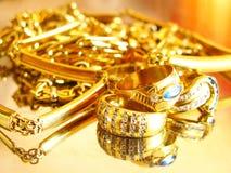 Gouden juwelen stock foto's