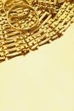 Gouden juwelen met exemplaarruimte Stock Afbeeldingen