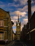 Gouden kerkgloed stock afbeelding