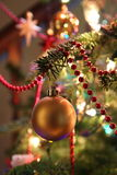 Gouden Kerstboomsnuisterij Royalty-vrije Stock Afbeelding