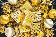 Gouden Kerstmisachtergrond Stock Fotografie