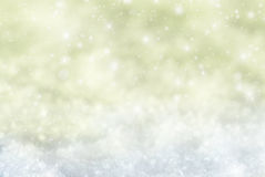 Gouden Kerstmisachtergrond met Sneeuw, Snwoflakes, Sterren Royalty-vrije Stock Foto