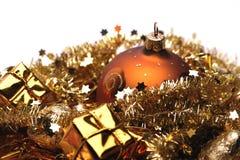 Gouden Kerstmisdecoratie stock afbeeldingen