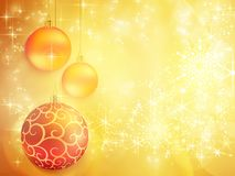 Gouden Kerstmisontwerp met rode en gouden snuisterijen Stock Fotografie