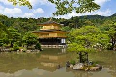 Gouden Kinkaku -kinkaku-ji Royalty-vrije Stock Afbeeldingen