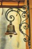 Gouden klok en ijzernetdecoratie Stock Foto's